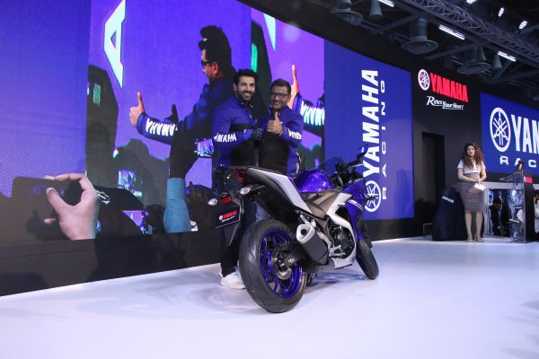Auto Expo 2018: Yamaha launches BS-4 YZF-R3 in India